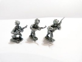20/AP02 - Paratroopers Advancing